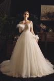 Natürliche Taille Schöne Illusionshülsen Gericht Zug Hochzeitskleid