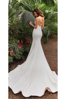 Ärmellos Halle V-Ausschnitt Kathedrale Zug Trichter Hochzeitskleid