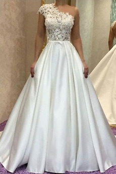 A Linie Asymmetrische Hülsen Spitze Ärmellos Fallen Hochzeitskleid