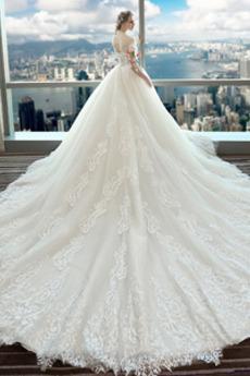 Natürliche Taille Winter Appliques Akzentuierte Rosette Luxuriöse Brautkleid