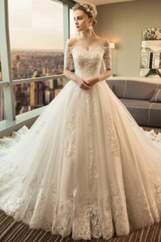 Spitzenüberlagerung Bördeln Schnüren Invertiertes Dreieck Hochzeitskleid
