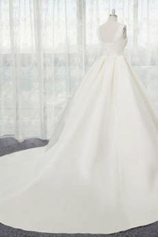 Natürliche Taille Satiniert Formalen A Linie Winter Brautkleid