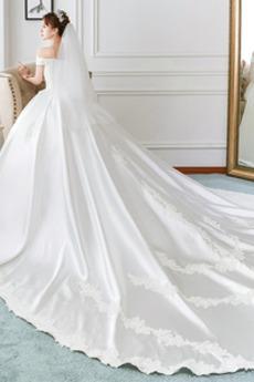 Königlicher Zug Formalen Natürliche Taille Brautkleid mit kurzen Ärmeln