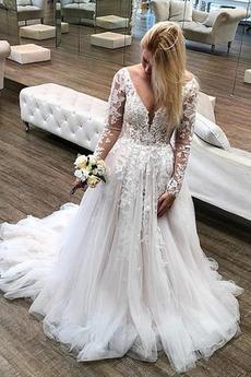 Natürliche Taille Fegen zug A Linie Tüllauflage Lange Ärmel Brautkleid