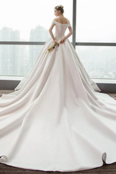 Natürliche Taille Gefaltete Mieder Satiniert Rückenlose Brautkleid
