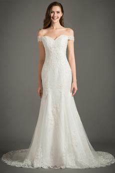 Appliques Bodenlänge Spitze Mit geschlossenen Ärmeln Brautkleid