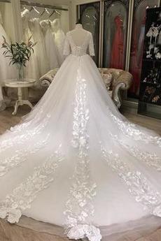 Jahrgang Spitze Halbe Ärmel Trichter V-Ausschnitt Hochzeitskleid