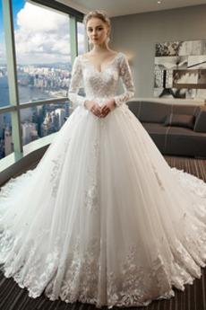 Natürliche Taille Kathedrale Zug Lange Ärmel Tiefer V-Ausschnitt Hochzeitskleid