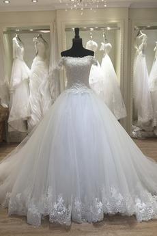 Mit geschlossenen Ärmeln Appliques A Linie Natürliche Taille Brautkleid