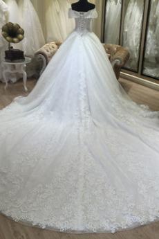 Baskische Taille Trichter Mit geschlossenen Ärmeln Brautkleid