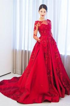 Breit flach Illusionshülsen Formalen A Linie Satiniert Abendkleid