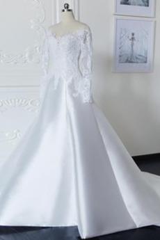 Natürliche Taille V-Ausschnitt Zurückhaltend Kathedrale Zug Brautkleid