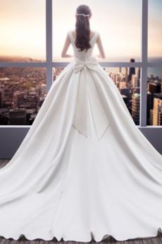 Königlicher Zug Natürliche Taille Kirche Einfache Brautkleid
