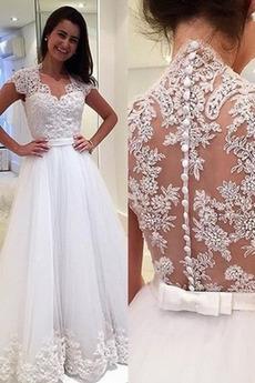 Natürliche Taille Reiner zurück Brautkleid mit kurzen Ärmeln