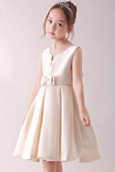 Satin A Linie Ärmellos Natürliche Taille Blumenmädchen kleid