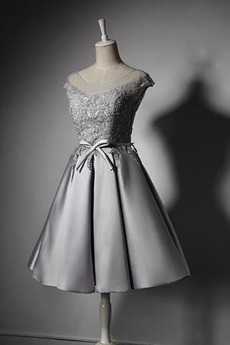 Satiniert Ärmellos Bow Mit geschlossenen Ärmeln Klassische Brautjungfer kleid