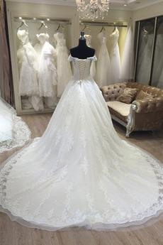 Mit geschlossenen Ärmeln Bördeln Brautkleid mit kurzen Ärmeln