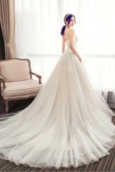 Spitze A Linie Natürliche Taille Trichter Draussen Spitze Brautkleid