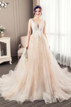 V-Ausschnitt Natürliche Taille Spitzenbesatz Fallen Hochzeitskleid