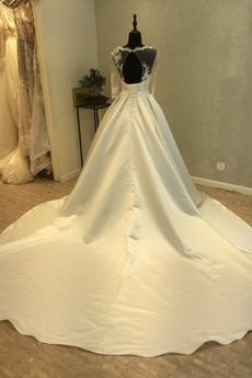 Appliques Rechteck V-Ausschnitt Illusionshülsen Satiniert Brautkleid