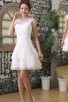 Juwel Elegante A Linie Knie-Länge Spitze Abgestuft Brautkleid
