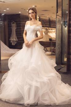 Schnüren Appliques Tau Schulter Mit geschlossenen Ärmeln Tüll Brautkleid