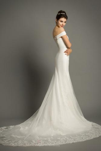 Lange Zierlich Natürliche Taille Mit geschlossenen Ärmeln Spitze Brautkleid - Seite 4